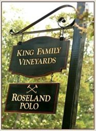 King Family Vineyards: Front Signage