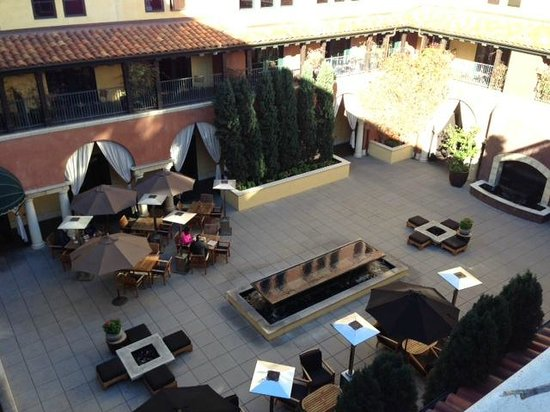 Hotel Valencia - Santana Row: Looking down into the firepit area