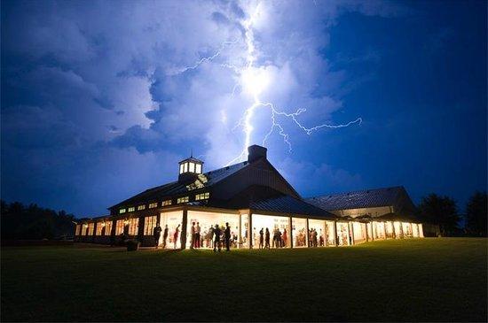 King Family Vineyards: Lightning Bolt