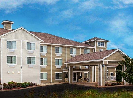 Holiday Inn Express New Buffalo: Easy Access of of I-94