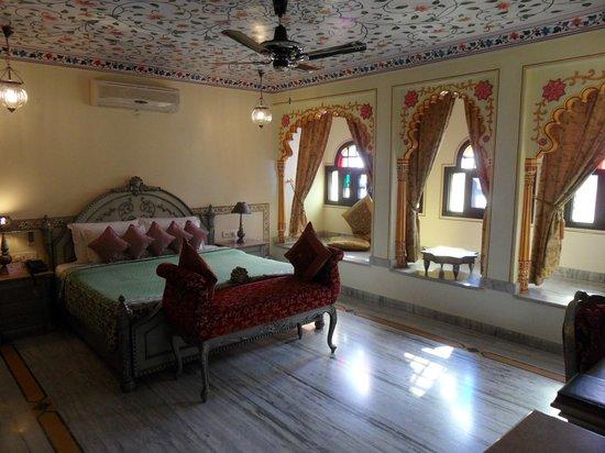 Umaid Bhawan Heritage House Hotel : Gorgeous room