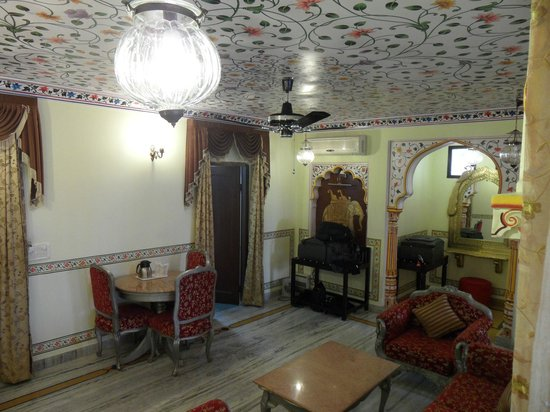 Umaid Bhawan Heritage House Hotel : Gorgeous room