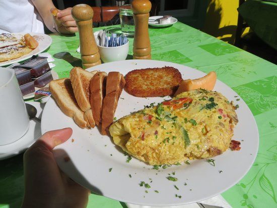 Cafe Breeze : Delicious omelette!