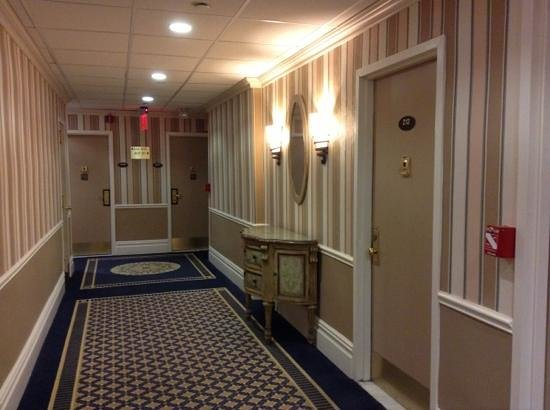 Wolcott Hotel: try to find 211 room