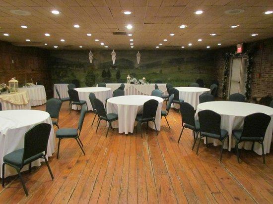Wayside Inn : The Senseny Room