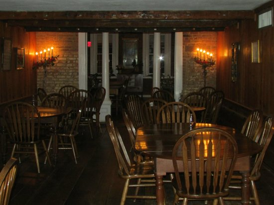 Wayside Inn : Center Dining Room