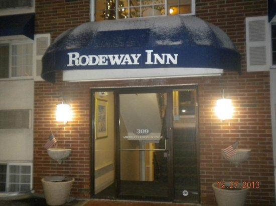 Rodeway Inn Logan International Airport: hotel entrance