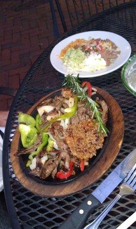 Pablo's Mexican Cuisine : Fajitas