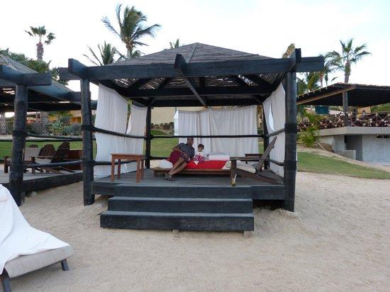Grand Fiesta Americana Los Cabos All Inclusive Golf & Spa: Beach cabana