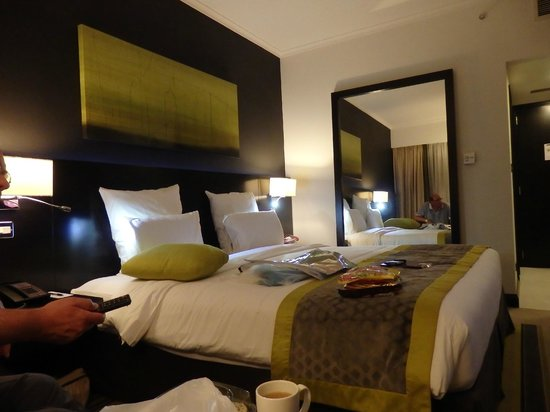 Pullman Dubai Creek City Centre: our bedroom