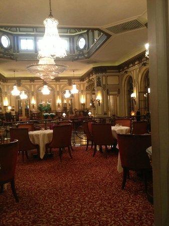 The St. Regis Rome: Main lobby restaurant area