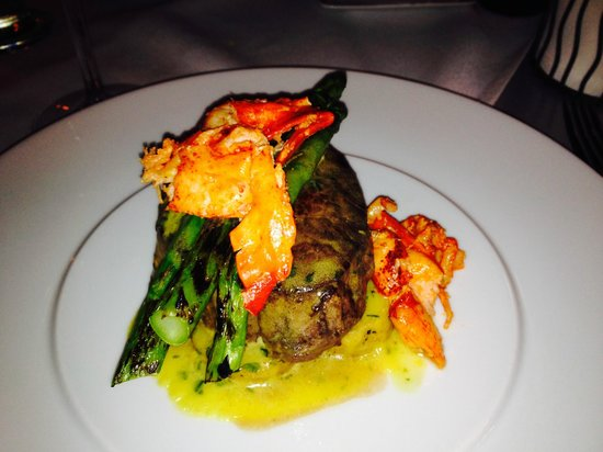 Patrizia's: filet with asparagus and lobster