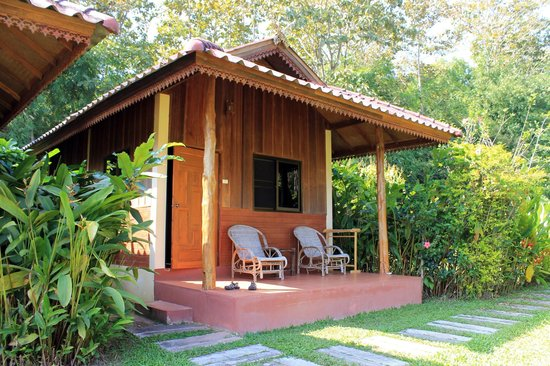 Nok's Garden Resort: Bungalow at Nok's