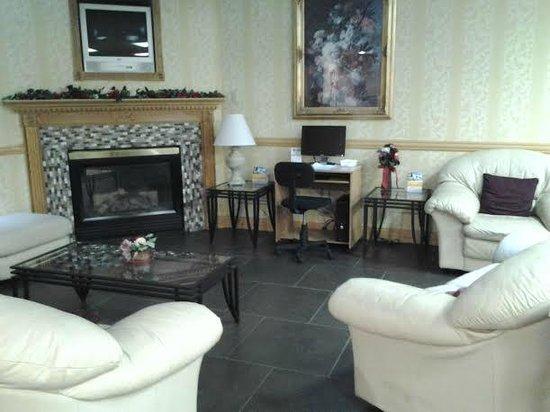 Comfort Inn: Front Lobby