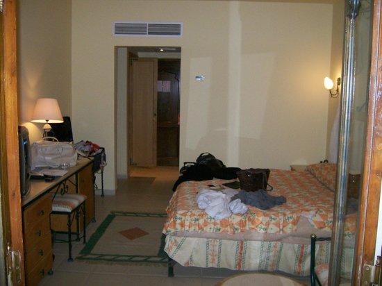 Sunny Days El Palacio Resort & Spa: from the balcony into the room