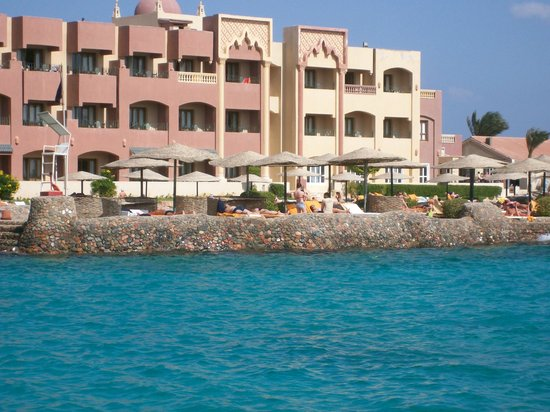 Sunny Days El Palacio Resort & Spa: Across the lagoon