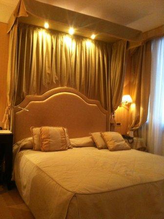 Hotel a La Commedia: Room/suite