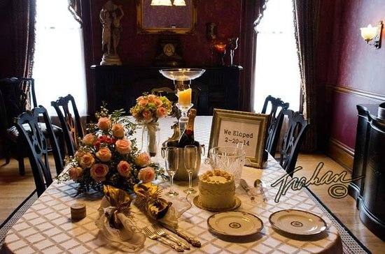 Historic Webster House : In the dining room