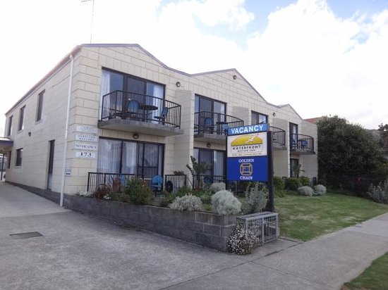 Apollo Bay Waterfront Motor Inn: avec un bon parking