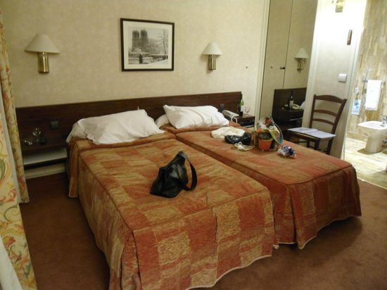 Hotel Forum Pompei : Apartamento double