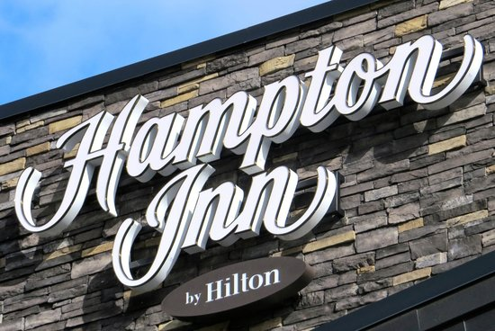 Hampton Inn By Hilton Chilliwack: Sign