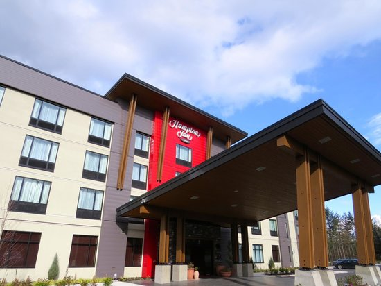 Hampton Inn By Hilton Chilliwack: Front Entrance