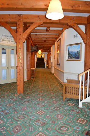 Trapp Family Lodge: Hallway
