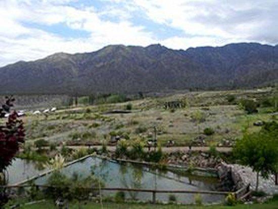 Cabanas Aguilas de Piedra: Vista de la cabaña a la montaña