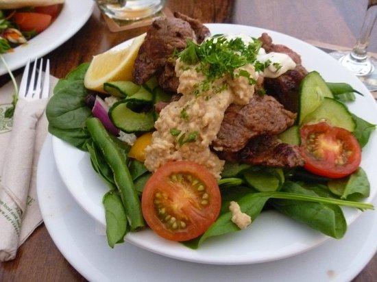 Pig and Whistle Historic Pub : New Zealand Lamb Salad
