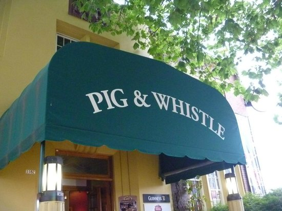 Pig and Whistle Historic Pub : Former Police Station