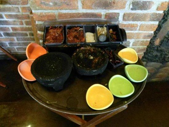 La Tequila: Salsa made tableside