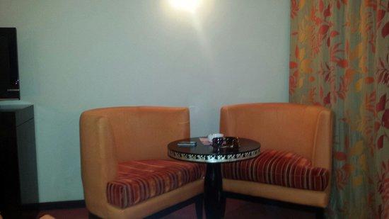 Palm Plaza Marrakech Hotel & Spa: Coin salon
