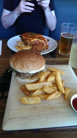 4 Pines Brewing Company: Pulled pork burger and chicken parmigiana