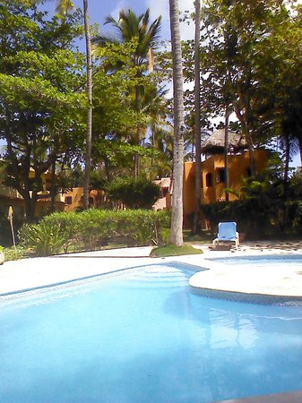 Balicana: view FM my table by pool