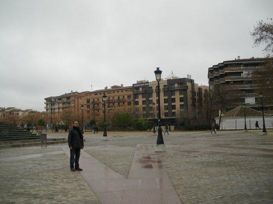 Senator Granada Spa Hotel: el hotel al fondo