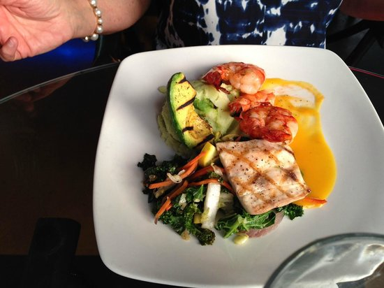 Blue Dragon Coastal Cuisine & Musiquarium: mahi-mahi and shrimp