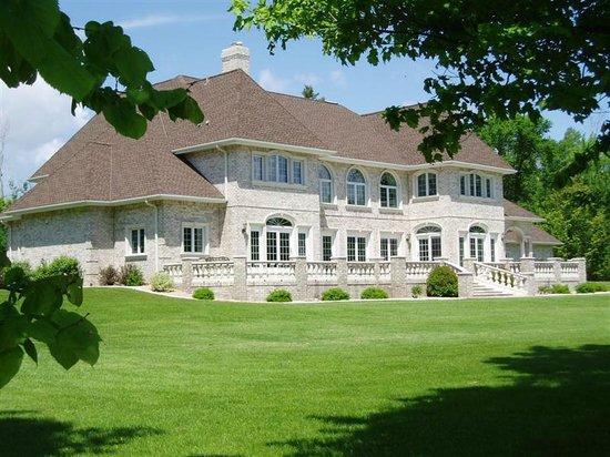 The Cedars Dining Room: Palatial Luxury Grand Rapids