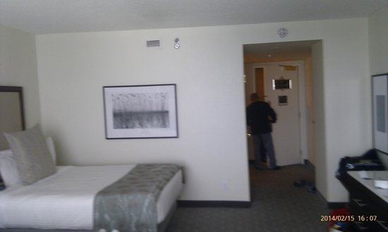 Fallsview Casino Resort: our room