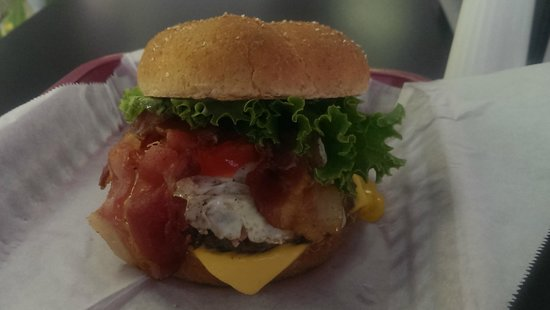 """Wize Guyz Grille: """"OMG Burger""""....Build Your Own!"""