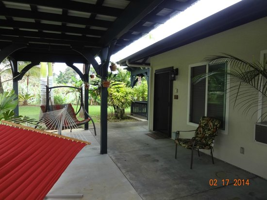 Island Goode's: Patio and entrance to Mauna Kea room