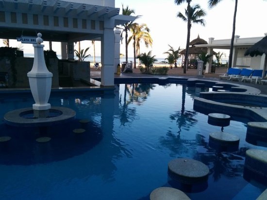 Hotel Riu Emerald Bay : adult only pool