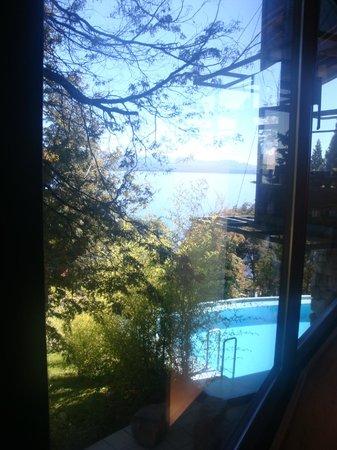 Design Suites Bariloche: Vista desde sala desayuno.