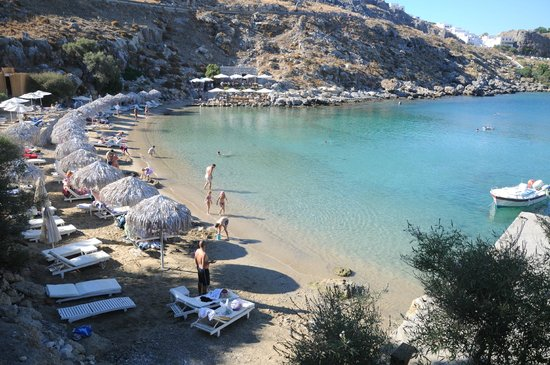 Agios Pavlos Beach (Saint Paul): praia pequena com mar calmo