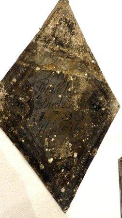 St. Clement Danes - coffin lid
