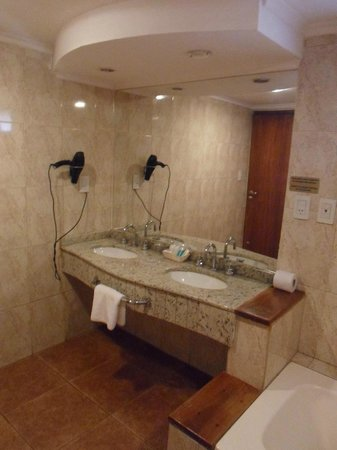 Hotel Saint George: Baño