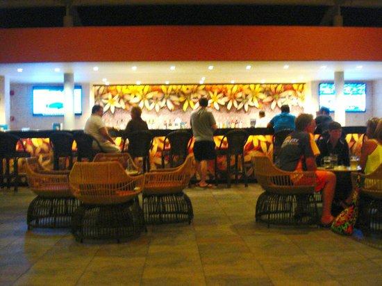 Barcelo Bavaro Beach - Adults Only: Barra del lobby