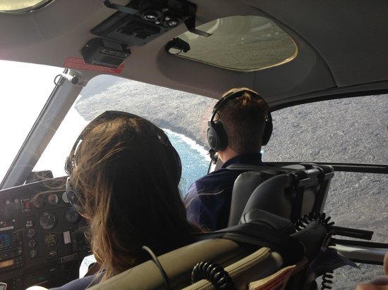 Blue Hawaiian Helicopters - Hilo : Scott at the controls