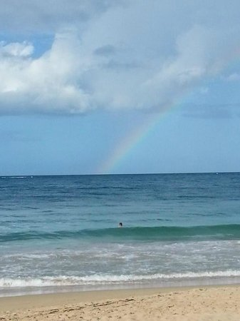 Atlantic Beach Hotel: Sunny day with a rainbow somewhere out there