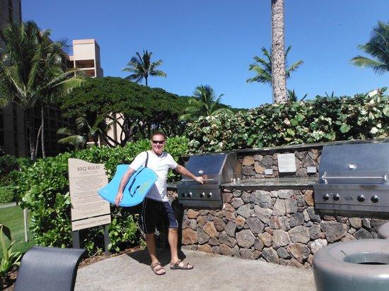 Honua Kai Resort & Spa: BBQs to use