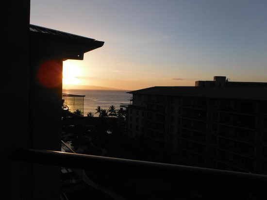 Honua Kai Resort & Spa: Sunset from the lanai